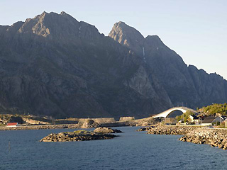 Mountains around Henningsvaer