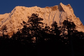 A magnificent dawn, lighting up Kangcheda